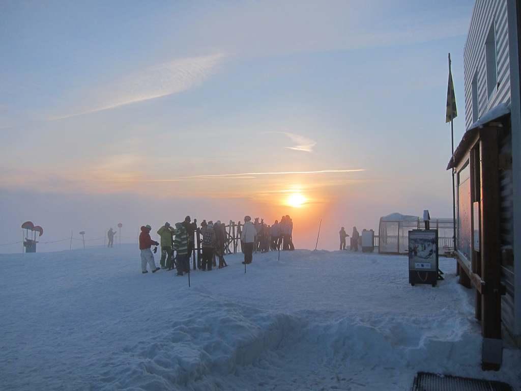 Moonlight-ski-sun-set
