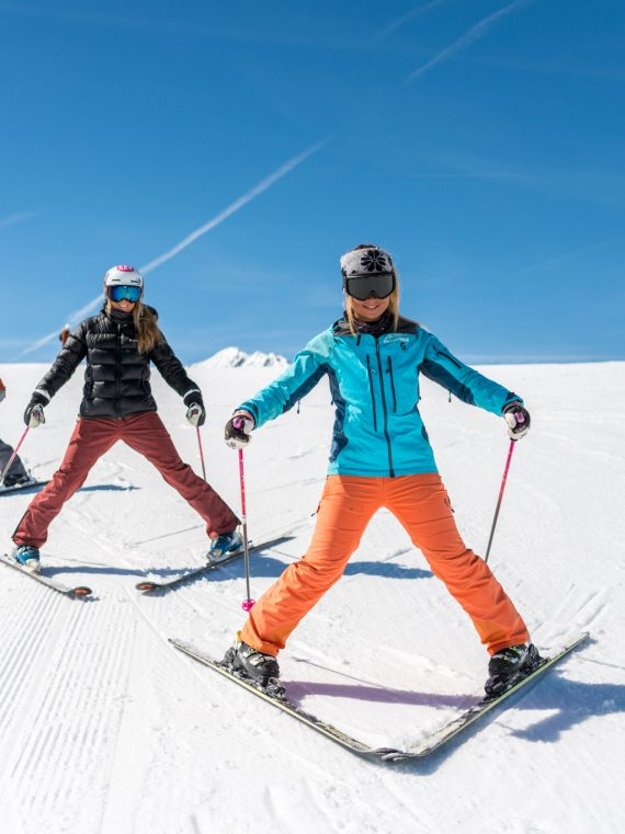 Ski group lessons