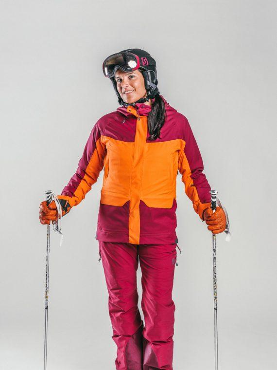 Oxygène Ski & Snowboard School   Lady Skier with Helmet