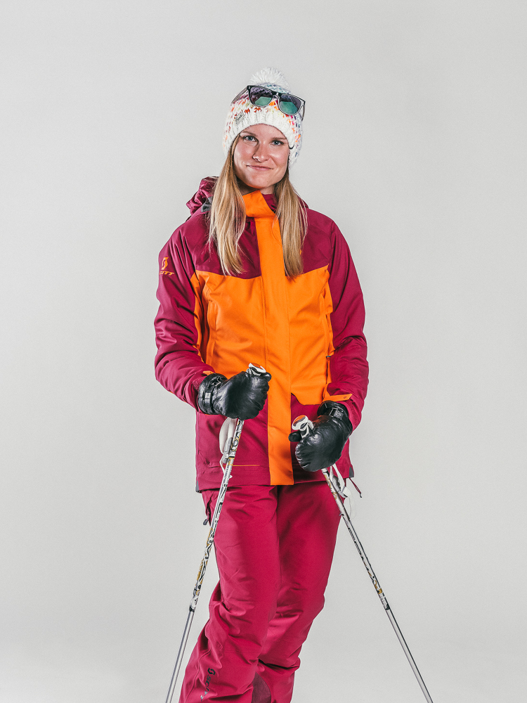Oxygène Ski & Snowboard School Female Adult with Ski Poles 2