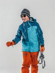Oxygène Ski & Snowboard School   Adult with Ski Poles