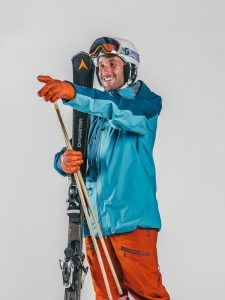 Oxygène Ski & Snowboard School | Adult Skiing with Helmet