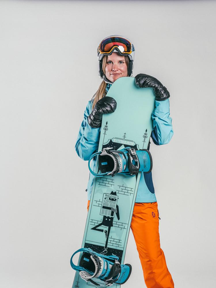 Oxygène Ski & Snowboard School | Female Adult Snowboarder 2