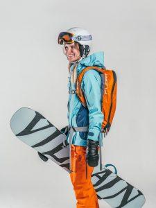 Oxygène Ski & Snowboard School | Female Adult Off-Piste Snowboarder 2