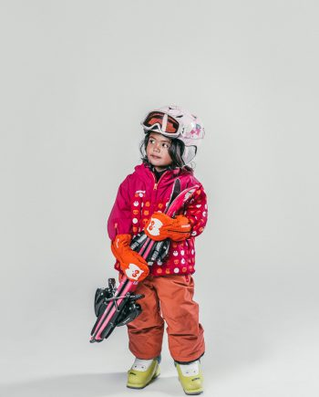 Oxygène Ski & Snowboard School Little Girl Skier 2