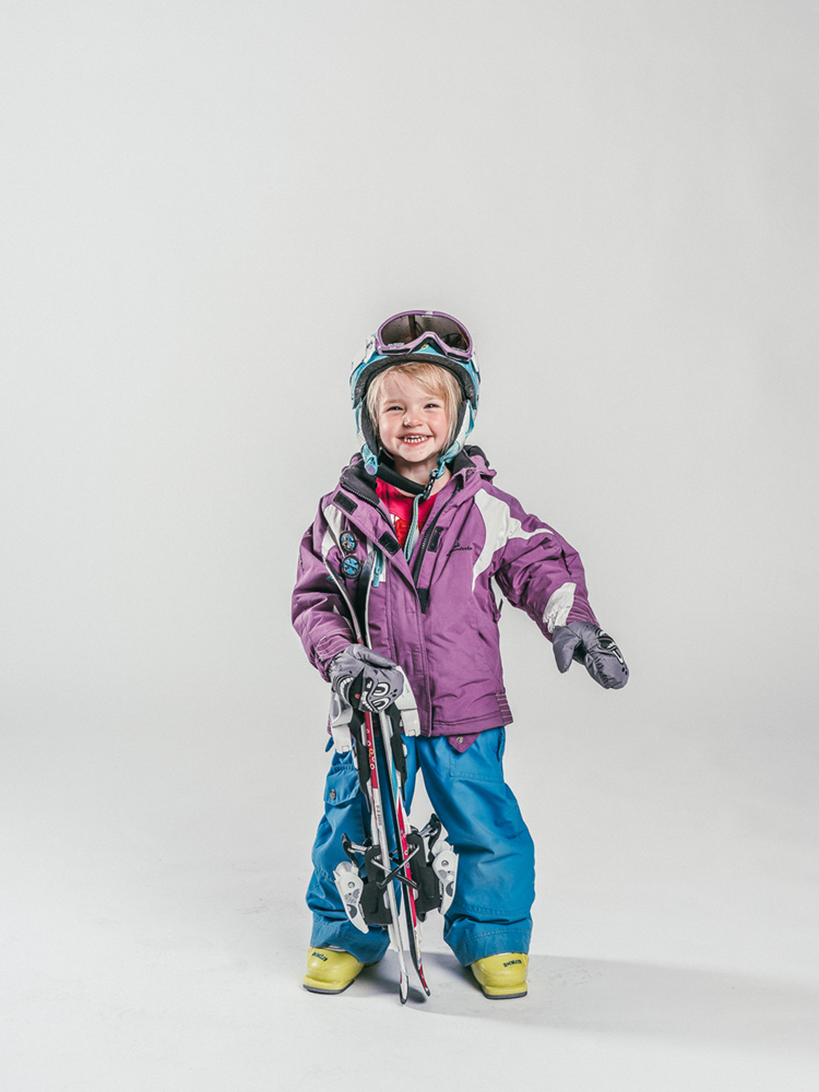 Oxygène Ski & Snowboard School Little Girl Skier 4