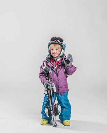 Oxygène Ski & Snowboard School Little Girl Skier 3