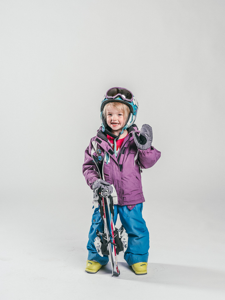 Oxygène Ski & Snowboard School | Little Girl Skier 3