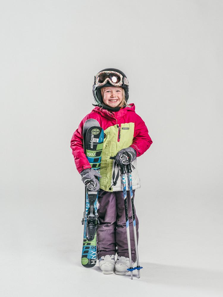 Oxygène Ski & Snowboard School Girl Skier 2