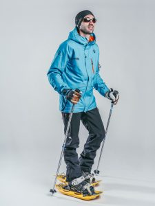 Oxygène Ski & Snowboard School   Snowshoe Instructor 3