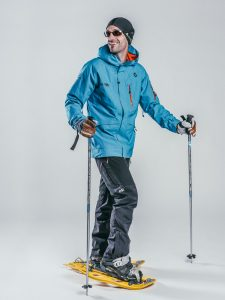Oxygène Ski & Snowboard School   Snowshoe Instructor 2