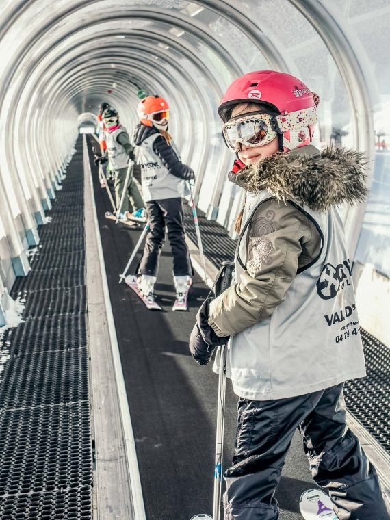 Oxygène Ski & Snowboard School – Children On Magic Carpet