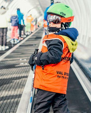 Oxygène Ski & Snowboard School – Child On Magic Carpet