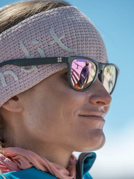 Oxygène Ski & Snowboard School – Instructor Close-up Smiling