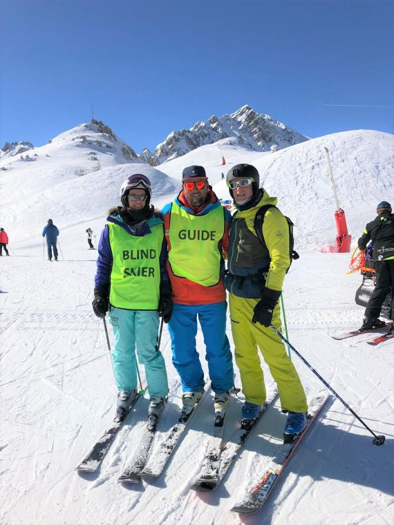 Adaptive stand-up ski lesson with Oxygene – Courchevel 2019