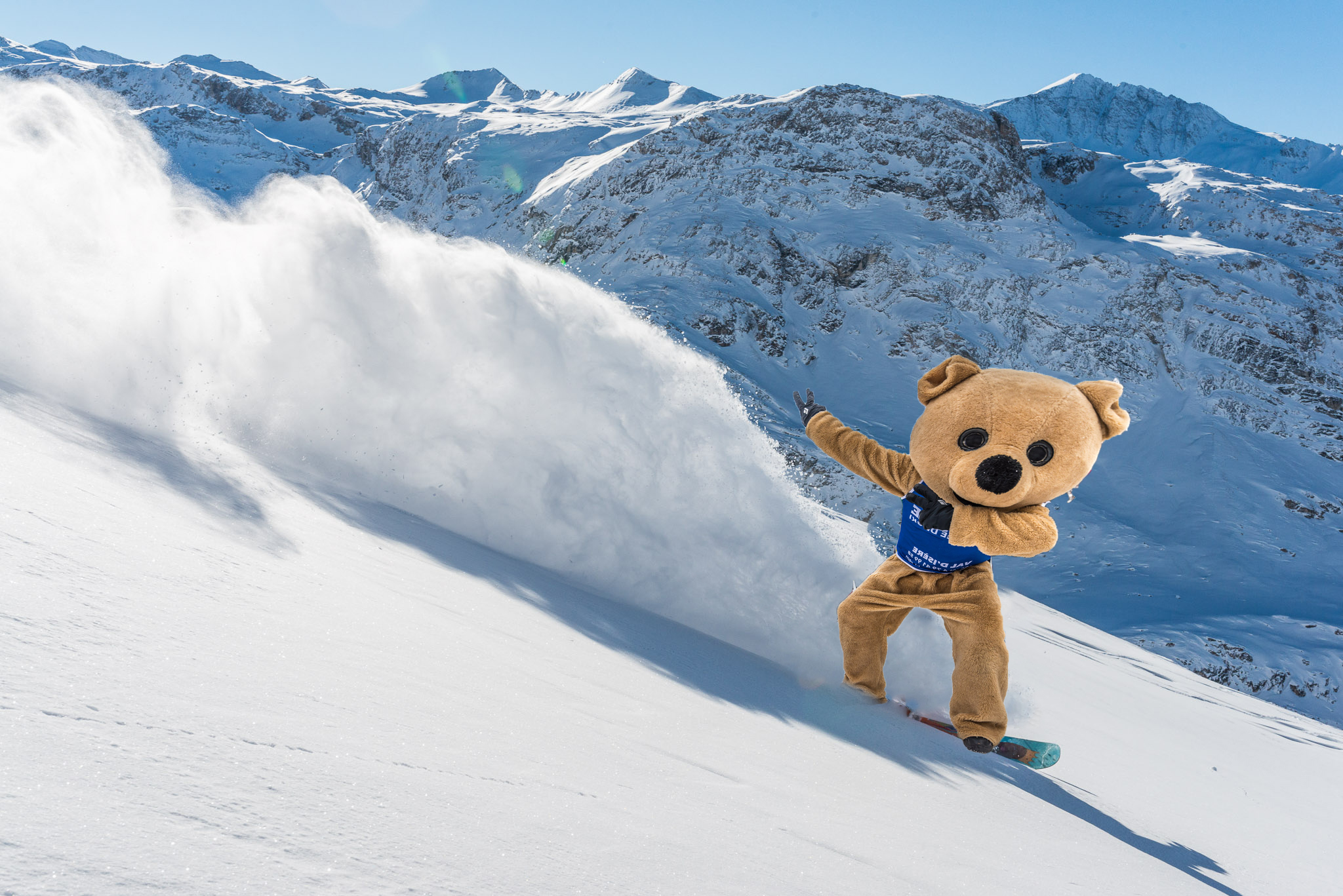 Oxygène bear will be animating the 3 valleys this winter
